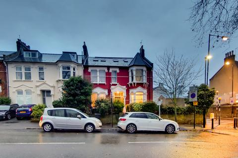 3 bedroom apartment for sale - Mount View Road, Crouch End