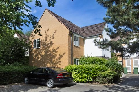 2 bedroom flat to rent - Bishop`s Court, Marston, Oxford