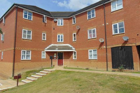 2 bedroom flat to rent - Riverbank Way, Ashford