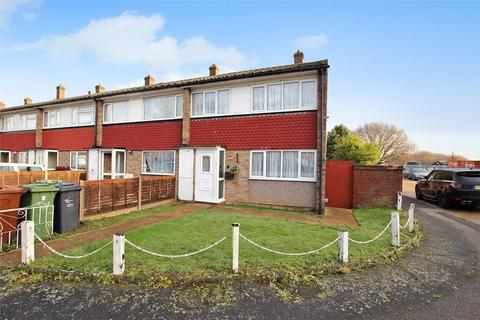 3 bedroom end of terrace house to rent - Fambridge Road, Dagenham