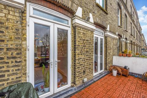 1 bedroom apartment for sale - The Vale, Flat 2