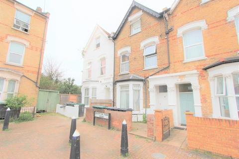 House share to rent - Brampton Park Road, Wood Green, N22