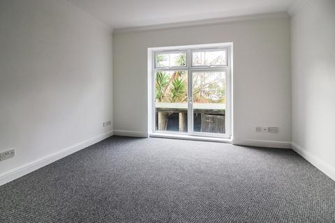 1 bedroom ground floor flat to rent - Alhambra Road