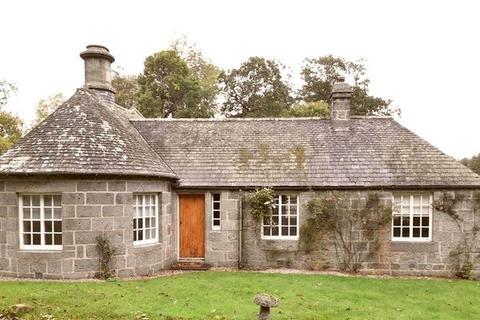3 bedroom detached bungalow to rent - Castle Fraser, Inverurie, Aberdeenshire