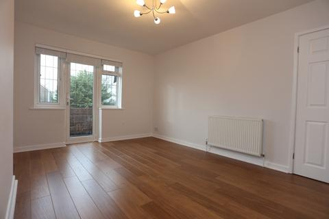 2 bedroom flat to rent - Court Farm Road, Hove