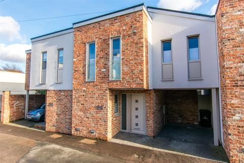 3 bedroom house for sale - Wellington Lane, Pittville, Cheltenham