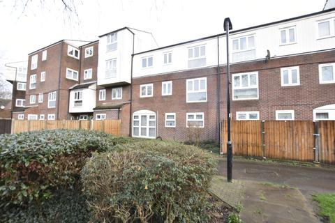 1 bedroom flat for sale - Dunmow Close, Feltham, Middlesex, TW13