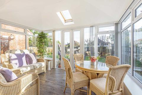 2 bedroom semi-detached bungalow for sale - Cranbrook Close, Margate