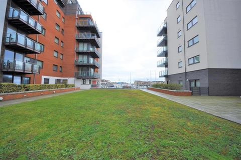 2 bedroom flat for sale - Channel Way, Ocean Village, Southampton, Hampshire SO14