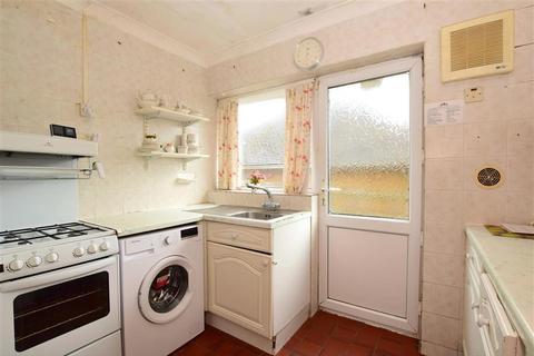 2 bedroom bungalow for sale - Lustrells Vale, Saltdean, Brighton, East Sussex