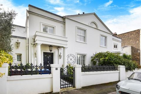 4 bedroom semi-detached house for sale - Champion Grove, Camberwell