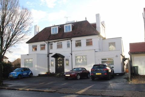 3 bedroom apartment to rent - VIDEO TOUR AVAILABLE - Kings Road, Westcliff-On-Sea