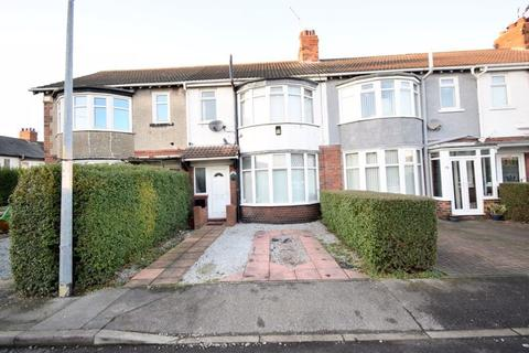 3 bedroom terraced house for sale - Lake Drive, Hull