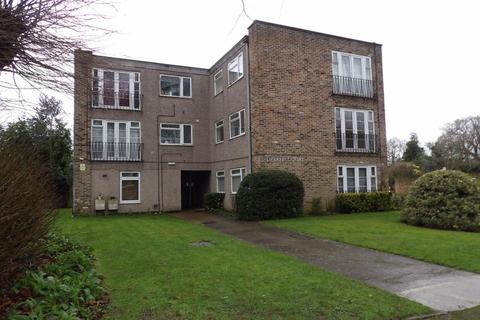 2 bedroom flat to rent - Tiptree Drive, Enfield