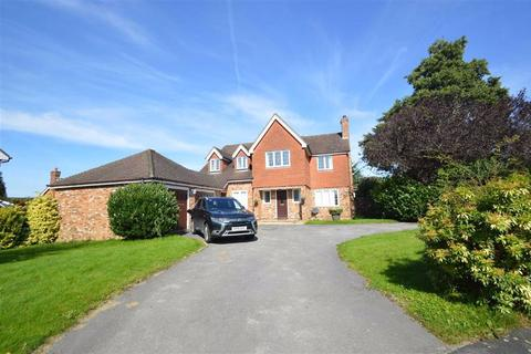 5 bedroom detached house to rent - Ploughmans Way, Macclesfield, Macclesfield