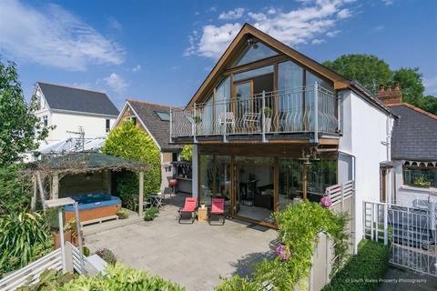 4 bedroom detached house for sale - Port Road East, Barry