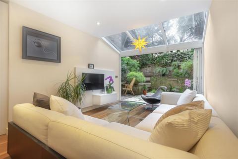 3 bedroom flat for sale - Belgrave Gardens, St John's Wood, NW8