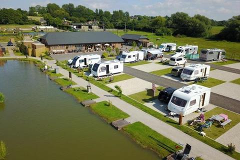 Property for sale - Caistor Lakes Leisure Park & Restaurant, Caistor, Lincolnshire