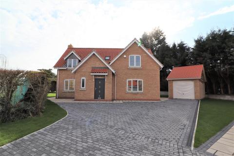4 bedroom detached house for sale - Carisbrooke Avenue,Elloughton