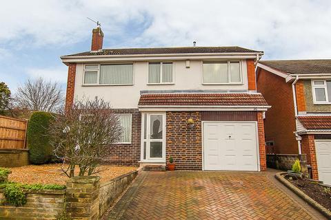 5 bedroom detached house for sale - Sheringham Close, Arnold, Nottingham