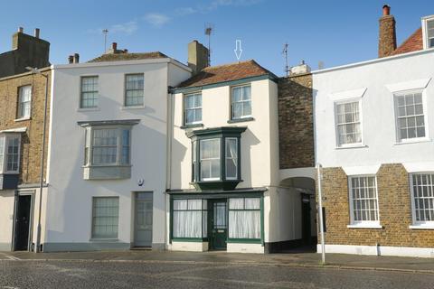 4 bedroom terraced house for sale - Beach Street, Deal