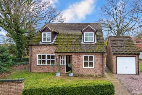 3 bedroom bungalow for sale - 49b Waterloo Lane, Skellingthorpe LN6 5SJ