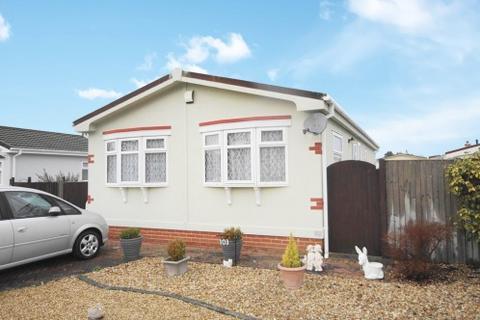 2 bedroom park home for sale - Pinehurst Park, West Moors, Ferndown, Dorset