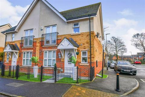3 bedroom semi-detached house for sale - Camberwell Way, Hull, HU8