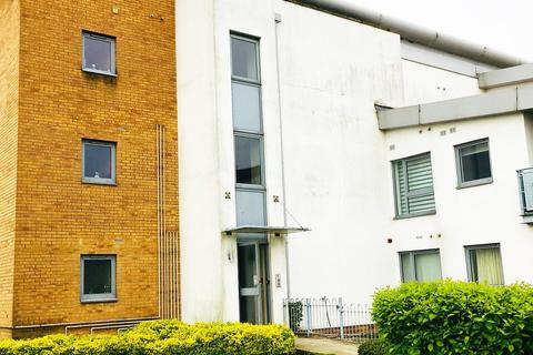 2 bedroom flat - Chadwell Heath RM6
