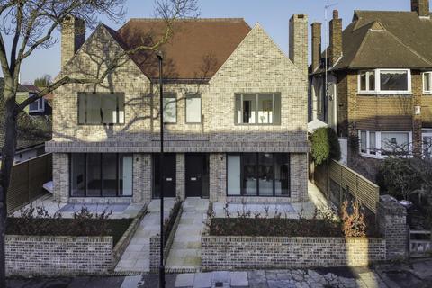 5 bedroom semi-detached house for sale - Deepdene Rd, London, SE5 8EG