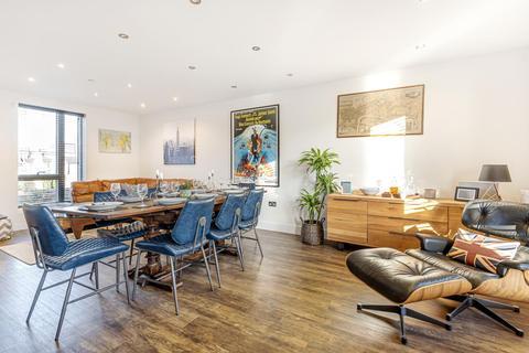 2 bedroom terraced house for sale - Cavendish Road, Balham