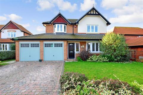 4 bedroom detached house for sale - Carey Close, Eastchurch, Sheerness, Kent
