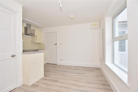 Studio for sale - Marine Parade, Sheerness, Kent