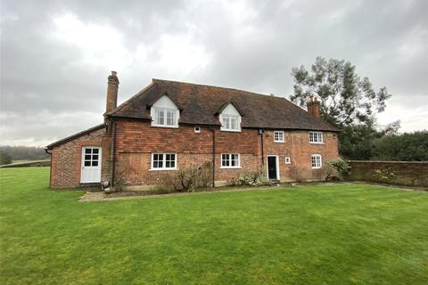 5 bedroom detached house to rent - Dungates Farmhouse, Dungates Lane, Buckland, Betchworth, Surrey, RH3