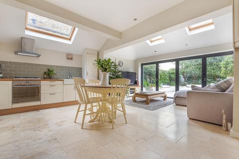 2 bedroom flat for sale - Burntwood Lane, Earlsfield