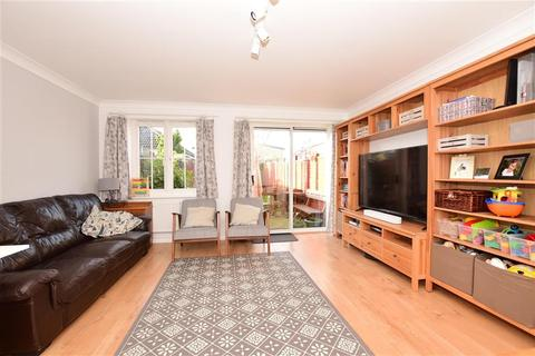 3 bedroom terraced house for sale - Puffin Close, Wickford, Essex
