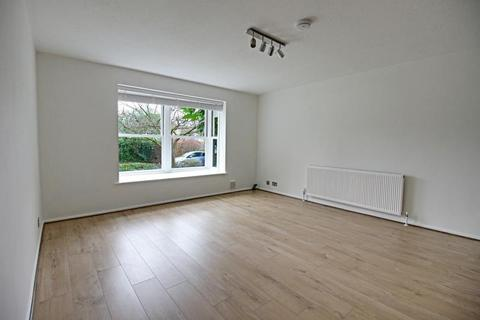 2 bedroom apartment to rent - Park Court, Oakleigh Park North, Whetstone, London, N20 9RR