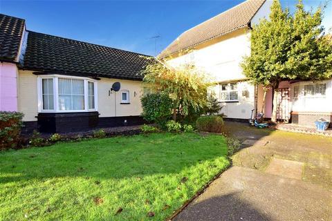 1 bedroom semi-detached bungalow for sale - Crouch Street, Basildon, Essex
