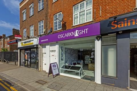 Property to rent - Wimbledon Park Road, Southfields, SW19