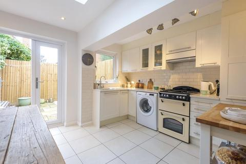 2 bedroom terraced house for sale - Derinton Road, Tooting