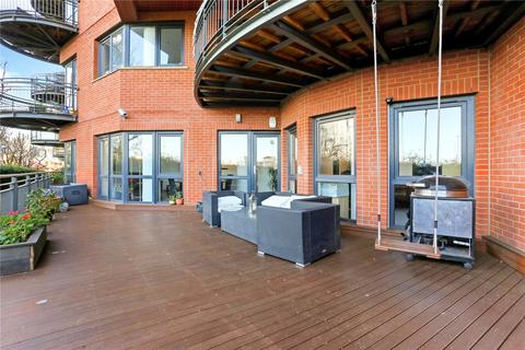 3 bedroom flat for sale - New Atlas Wharf, 3 Arnhem Place, London, E14