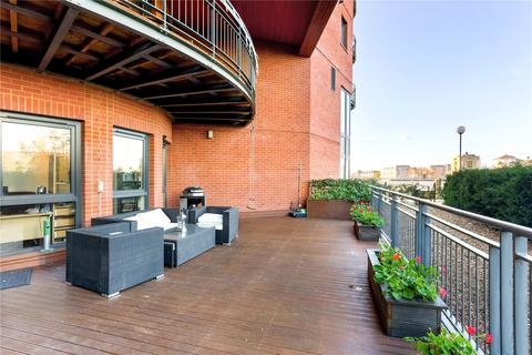 3 bedroom flat for sale - New Atlas Wharf, 3 Arnhem Place, London, E14