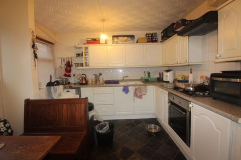 2 bedroom flat for sale - St. Georges Court, Tredegar