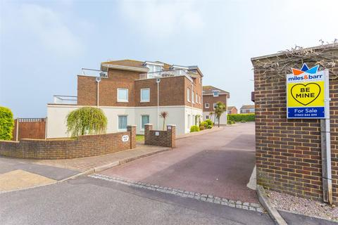 2 bedroom apartment for sale - Cliff Road