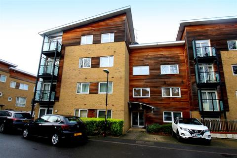 2 bedroom property to rent - Brunell Close, Maidstone