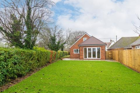 3 bedroom chalet for sale - Home Close, Wootton