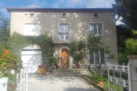 3 bedroom detached house - Avenue De Lautrec, Castres, France