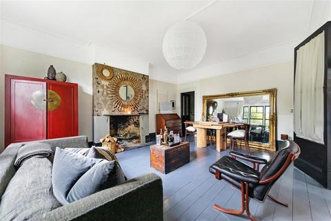 1 bedroom flat for sale - St. James's Drive, SW17