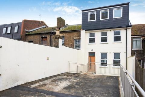 3 bedroom duplex for sale - High Street, Chatham