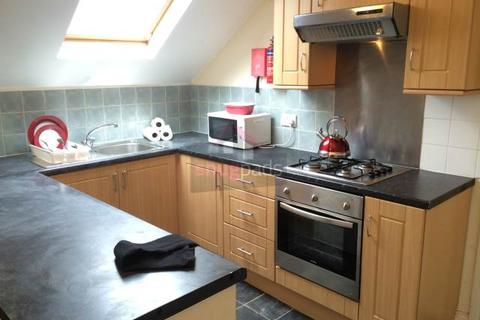 3 bedroom flat to rent - Carlton Road, Salford, Manchester